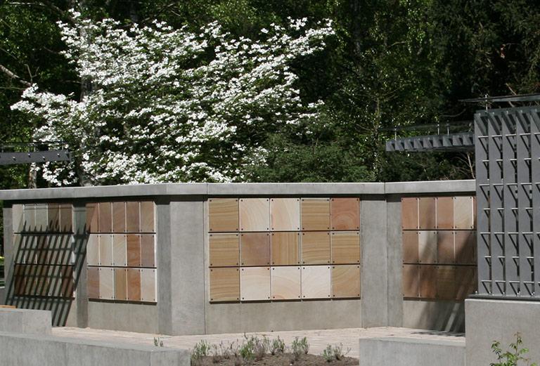 Friedhof Öjendorf / Urnenwand